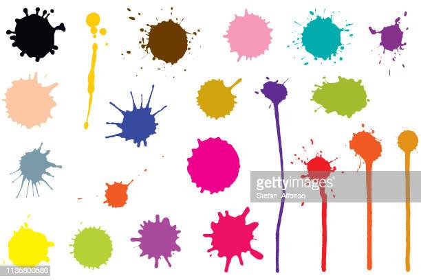 illustrazioni stock, clip art, cartoni animati e icone di tendenza di vector set of ink blobs. color splatter isolated on white background - inchiostro