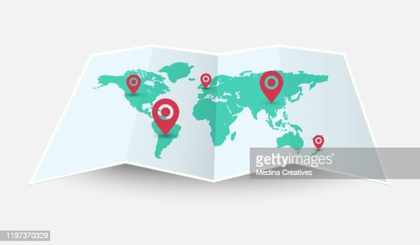 illustrations, cliparts, dessins animés et icônes de carte de monde de vecteur pliée avec la goupille d'isolement sur le fond blanc - destination de voyage