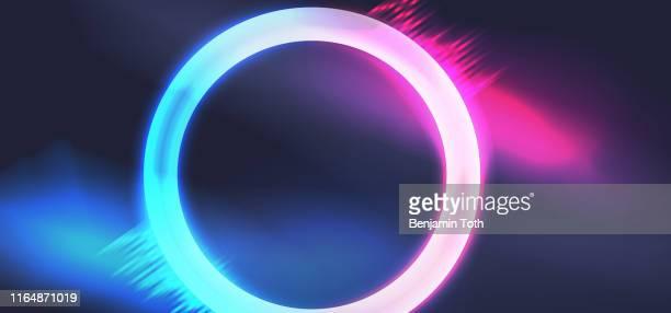 輝きと煙と活気に満ちたネオンサークル - led点のイラスト素材/クリップアート素材/マンガ素材/アイコン素材