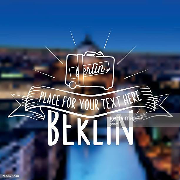 ilustraciones, imágenes clip art, dibujos animados e iconos de stock de vintage la etiqueta en berlín viaje fondo borroso a la ciudad - travel tag