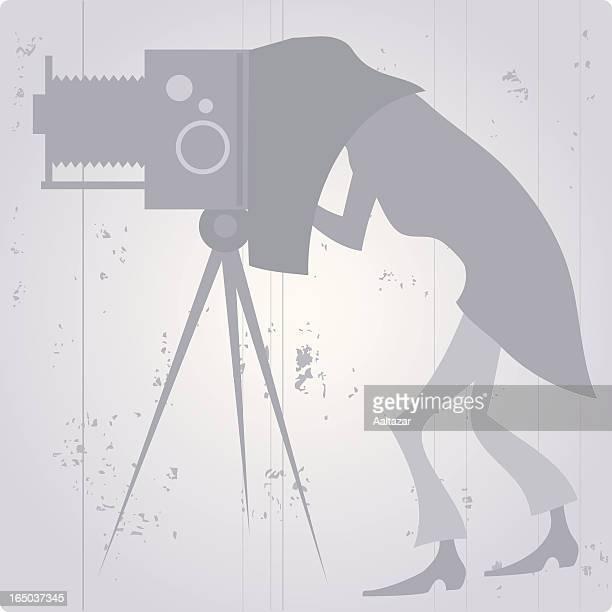 ilustrações de stock, clip art, desenhos animados e ícones de vintage fotógrafo - maquina fotografica antiga
