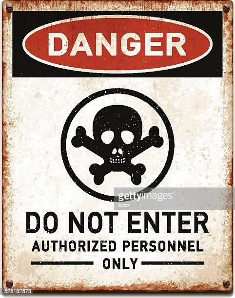 ウェザード加工のメタリックのプラカードに危険_vectorテキストを入力しないでください。 - 警告マーク点のイラスト素材/クリップアート素材/マンガ素材/アイコン素材