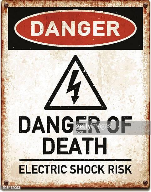 Resistiu placa de metal com perigo warning_vector de Alta Tensão