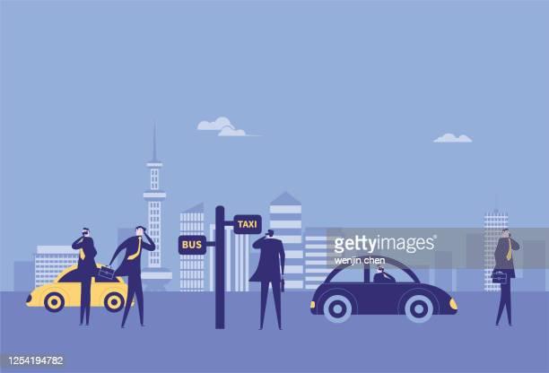 illustrations, cliparts, dessins animés et icônes de les cols blancs attendent sur la plate-forme d'autobus tout en appelant - abribus