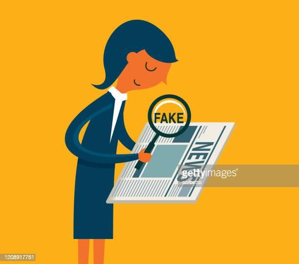 ilustrações, clipart, desenhos animados e ícones de mulher procurando notícias falsas em um jornal - fake news