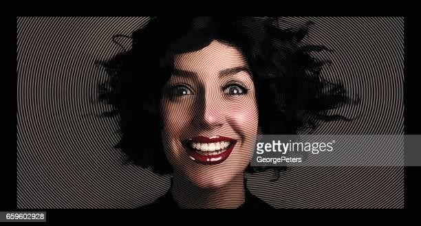 Frau mit überrascht Ausdruck und verworrenen Haaren