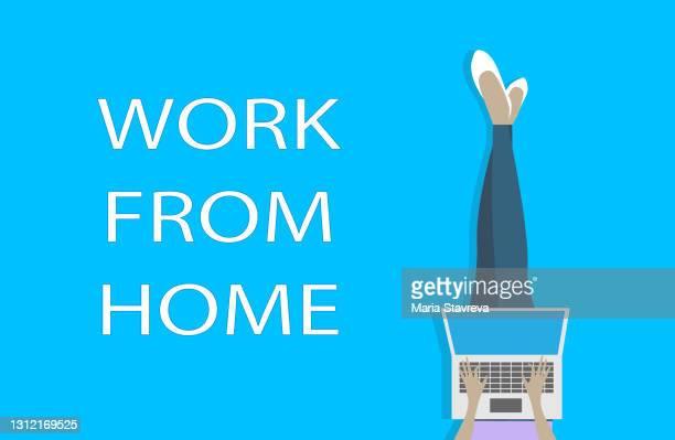 自宅から仕事、居心地の良い-19の社会的距離の概念。 - バーチャルオフィス点のイラスト素材/クリップアート素材/マンガ素材/アイコン素材