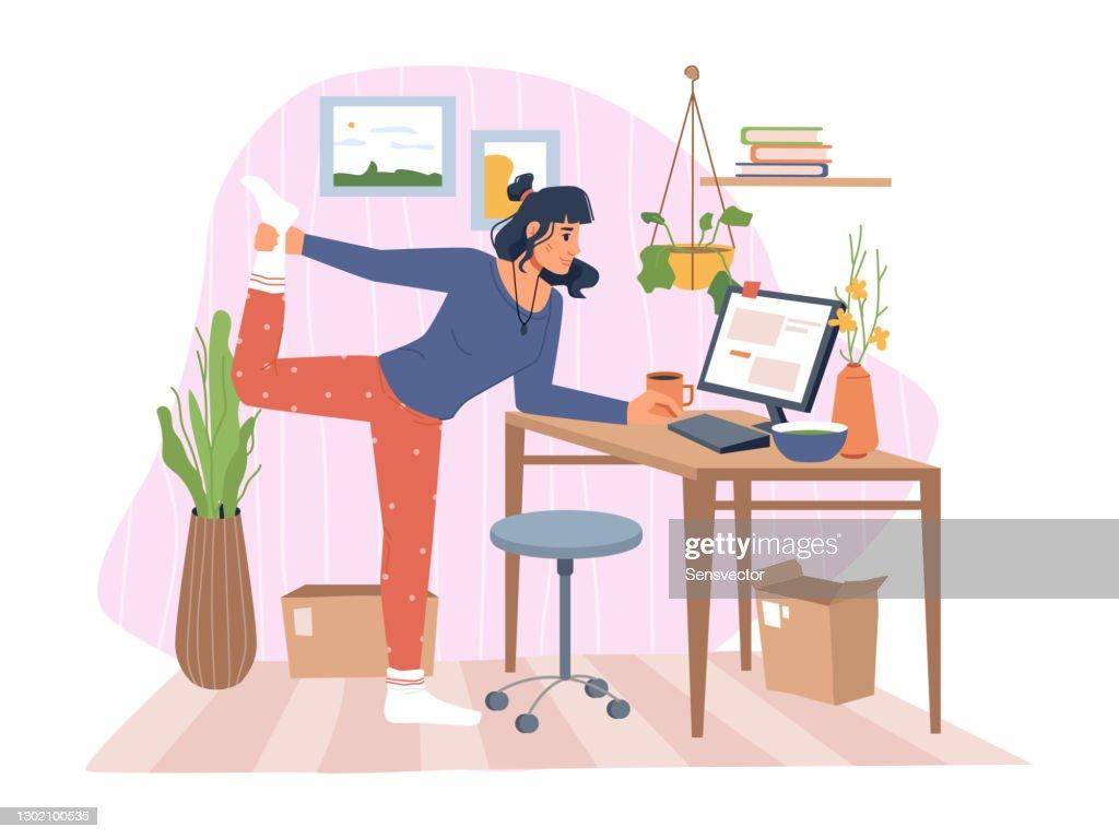 Werkende vrouw die en laptop uitrekt en typt, dame die oefening doet terwijl het voltooien van taken op computer. Het bureau van het huis van karakter, bloemen en decoratie. Beeldverhaalkarakters, vector in vlakke stijl : Stockillustraties