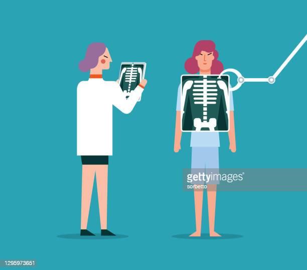 x線 - ヒト骨格 - 女性医師 - 放射線技師点のイラスト素材/クリップアート素材/マンガ素材/アイコン素材