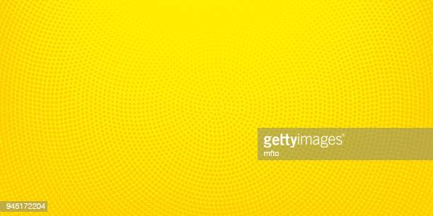 illustrazioni stock, clip art, cartoni animati e icone di tendenza di yellow halftone spotted background - motivo ornamentale
