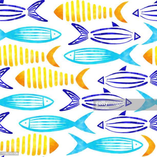 Gelb, Türkis, Blau und Grün Wasserfarbe Fishes Seamless Pattern mit weißem Hintergrund.