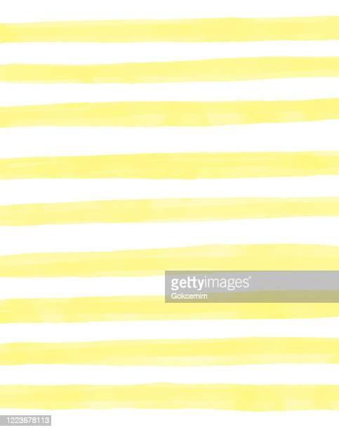 gelbe aquarell streifen muster hintergrund. küsten-sommer-konzept. design-element für grußkarten und etiketten, marketing, visitenkarte abstraktehintergrund. - färbemittel stock-grafiken, -clipart, -cartoons und -symbole