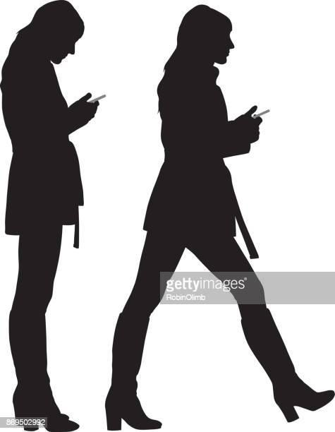bildbanksillustrationer, clip art samt tecknat material och ikoner med ung kvinna med smart phone - stå