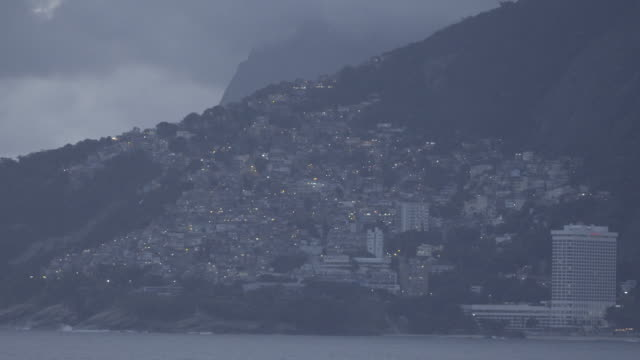 view of vidigal - cloudy day - 曇天点の映像素材/bロール