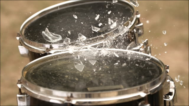 slo mo special effects musical instruments - funktionsuntüchtig stock-videos und b-roll-filmmaterial