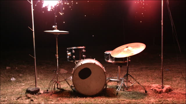 vídeos y material grabado en eventos de stock de slo mo special effects musical instruments - rocking