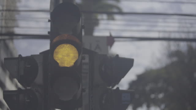 bbrazil - são paulo pedestrian traffic light - safety stock videos & royalty-free footage