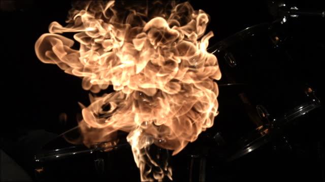vidéos et rushes de slo mo special effects musical instruments - représentation artistique