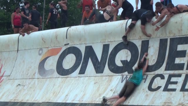 obstacle racer can't get up ramp - salmini stock videos and b-roll footage