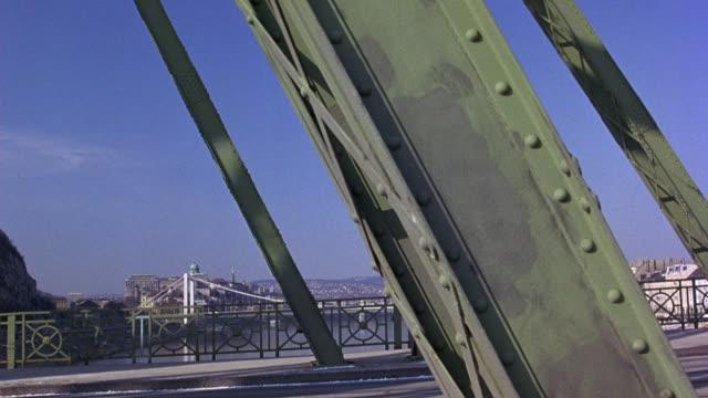 wide angle of elizabeth bridge from liberty bridge in budapest. cars drive over bridge. bridges over  danube river. - liberty bridge budapest stock videos & royalty-free footage
