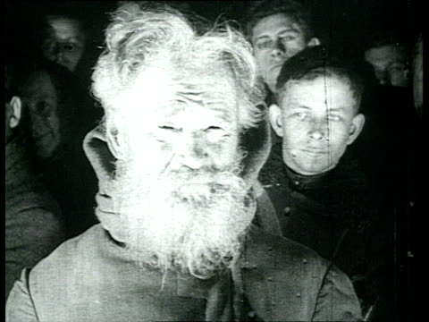lenin's funeral in moscow making of the mortuary mask in trade unions house people even children queueing to pay respect / moscow russia - pompe funebri video stock e b–roll