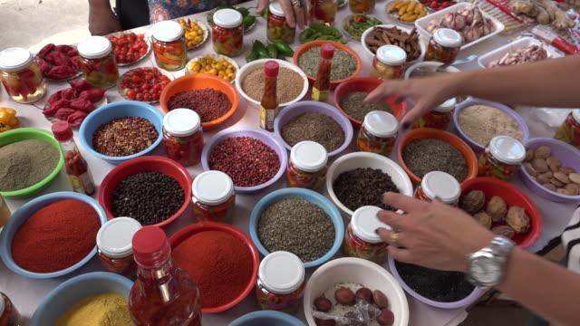 vídeos y material grabado en eventos de stock de brazil - são paulo - street market - cocina estructura de edificio