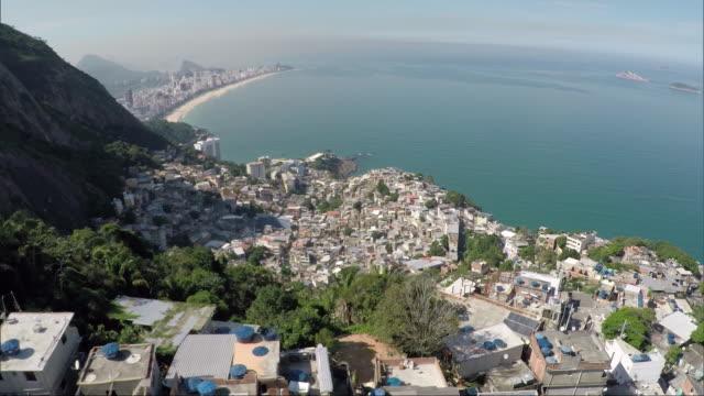 vídeos de stock e filmes b-roll de brazil - rio de janeiro - favela