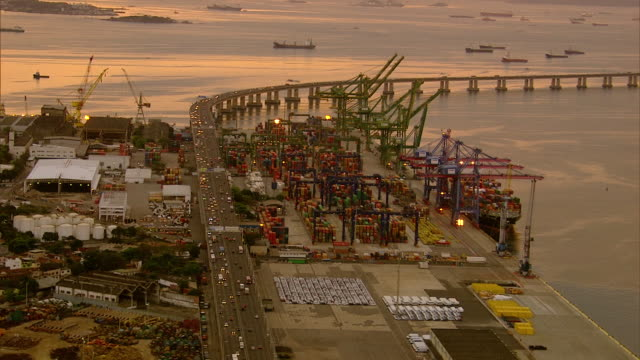 vídeos de stock, filmes e b-roll de brazil - rio de janeiro - porto comercial