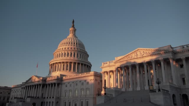 capitol sunrise time lapse 4k - united states congress bildbanksvideor och videomaterial från bakom kulisserna