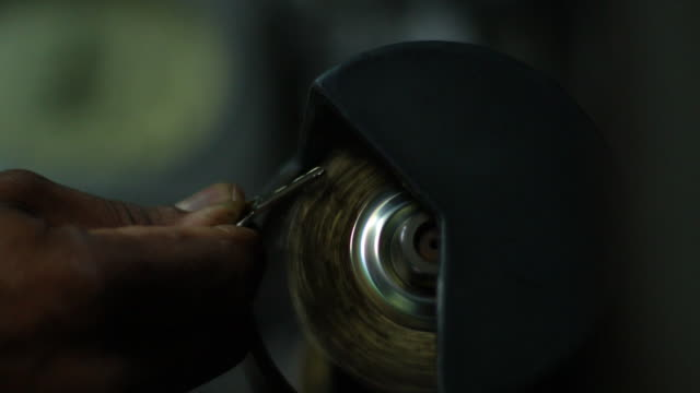 metal grinding - 金属点の映像素材/bロール