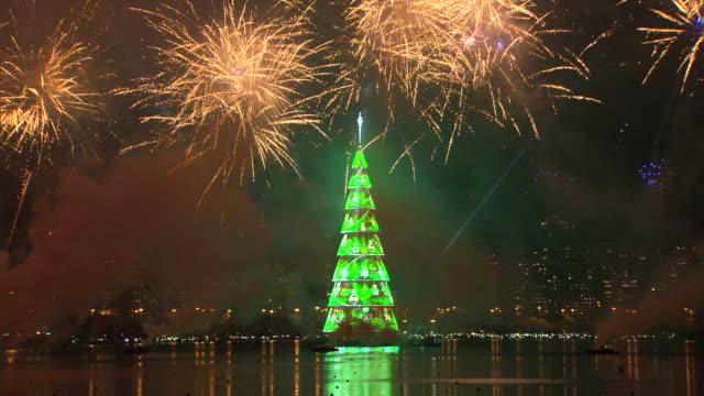 vídeos de stock, filmes e b-roll de brazil - rio de janeiro - árvore de natal