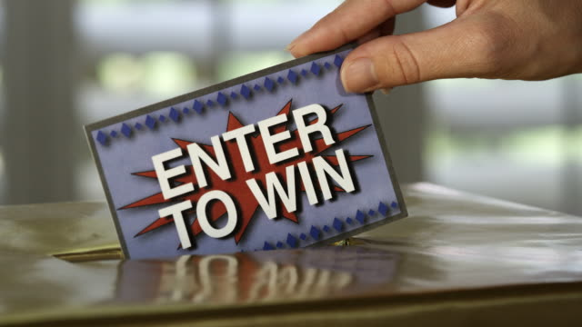 stockvideo's en b-roll-footage met enter to win raffle - loterij kansspel