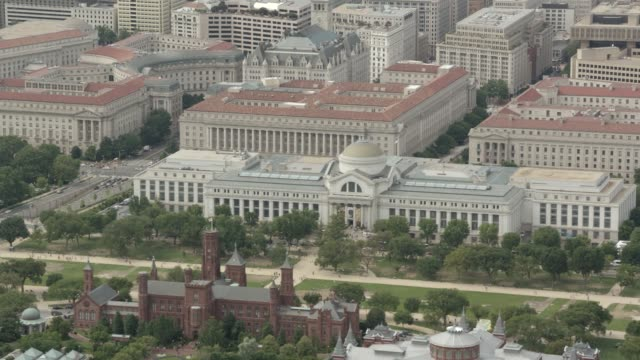 aerial of national archives building and smithsonian museums. natural history museum and museum of american history on national mall. national gallery of art. - smithsonian institution stock videos & royalty-free footage
