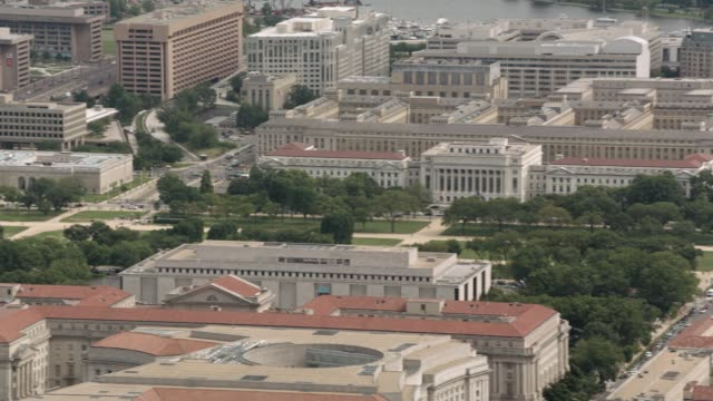 aerial of national mall, smithsoniam museums. washington monument. multi-story government office buildings. washington dc city skylines. landmarks. - smithsonian institution stock videos & royalty-free footage