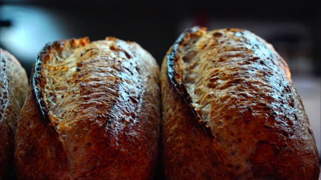 stockvideo's en b-roll-footage met bread - broodje voedsel