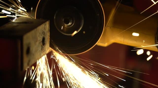 vidéos et rushes de locksmith - métallurgie et sidérurgie