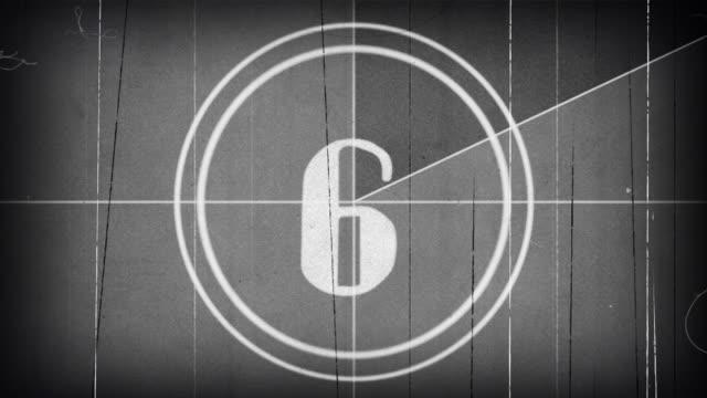 stockvideo's en b-roll-footage met oude film countdown groen scherm 4k - 50 seconds or greater