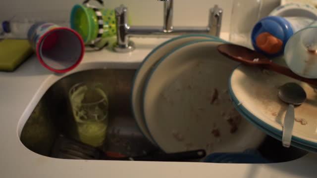 dirty dishes - ambientazione interna video stock e b–roll