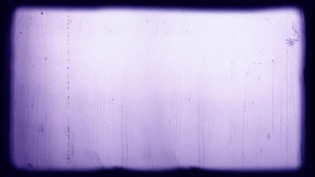 vídeos y material grabado en eventos de stock de old film 4k blue wash - proyector de película de 8mm
