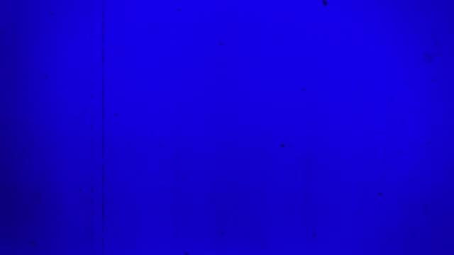 gammal film 4k blå - bildskadeeffekt bildbanksvideor och videomaterial från bakom kulisserna