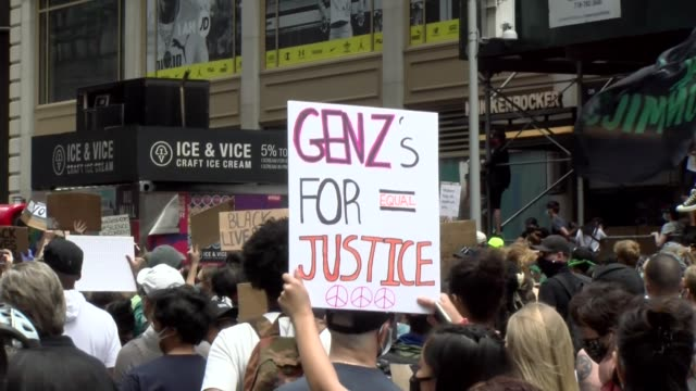 stockvideo's en b-roll-footage met generation z for justice - generation z