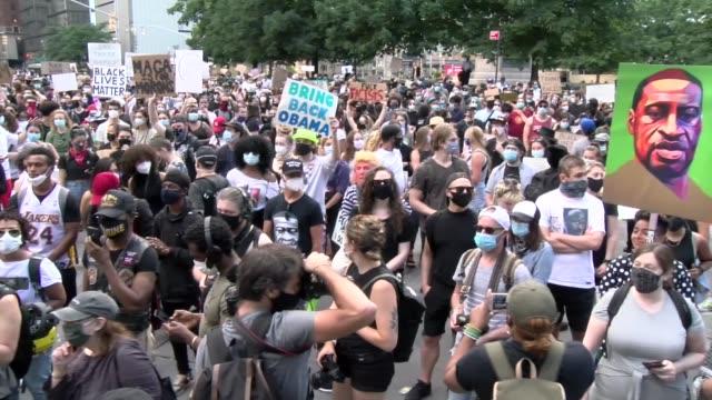 vidéos et rushes de of crowd - salmini