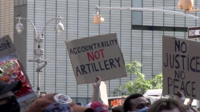 vidéos et rushes de sign - accountability not artillery - salmini