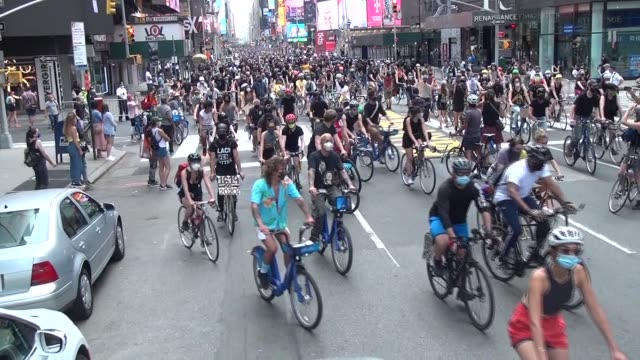 3000 riders start up 7th avenue - salmini stock videos & royalty-free footage