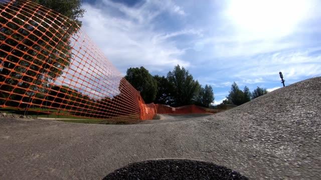 longboarding in slow motion - skateboard park stock videos & royalty-free footage