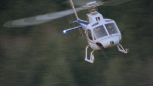 dx - air to air - aviation/helicopters - scenic/woods & forests - helicopter stock videos & royalty-free footage