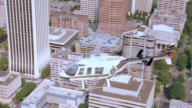 dx - air to air - portland - oregon - aviation/helicopters - portland oregon stock videos & royalty-free footage