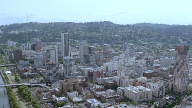 dx - aerials - scenic rivers - bridges - office bldgs. - portland - oregon - portland oregon stock videos & royalty-free footage