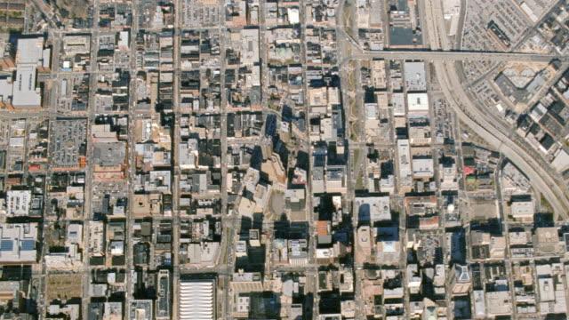 vidéos et rushes de dx - aerials - maryland/baltimore - harbors/dock - baltimore