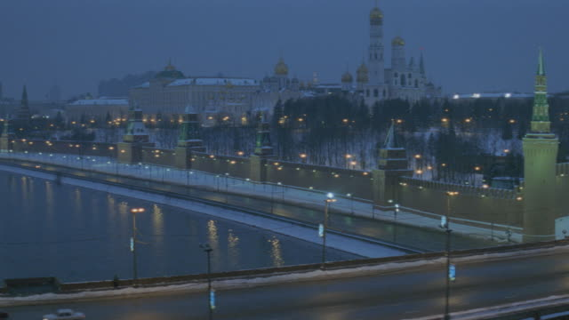 dawn/dusk/nx - moscow - russia - winter - bldgs./official bldgs. - cathedral - moscow russia stock videos & royalty-free footage
